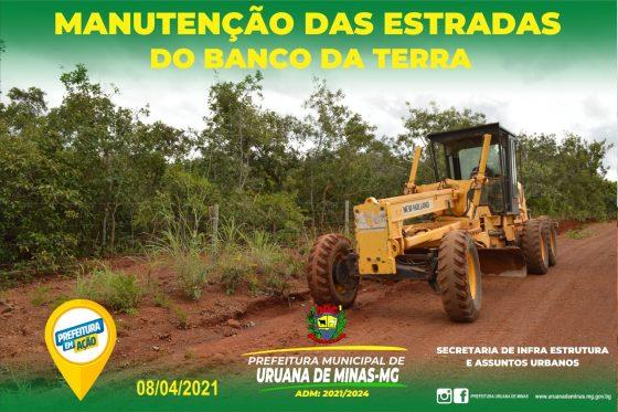 Manutenção das estradas do Banco da Terra em Uruana de Minas.