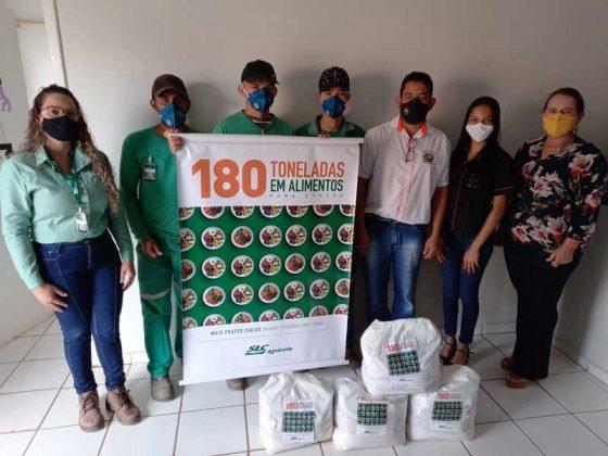 Fazenda Pamplona – Sede 3, doa cestas básicas para o CRAS de Uruana de Minas.